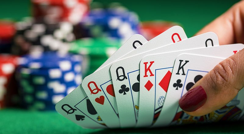 Poker Cards Info: Stores, Sizes, Material and Fun Details
