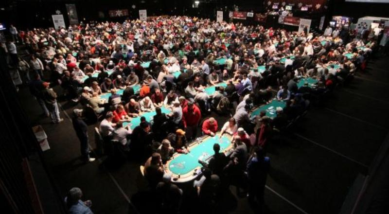 Poker Tournament As Intelligent Amusement
