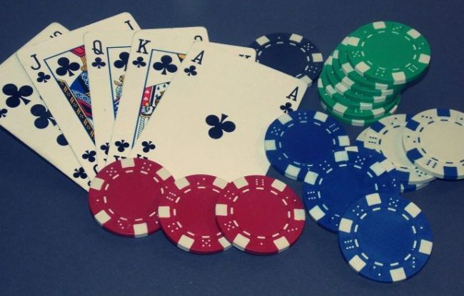 How to Find Discount Poker Supplies Online